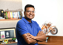 Sandeep Aggarwal in office